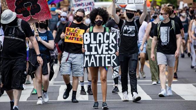 Phong trào Black Lives Matter tiếp tục dâng cao. Ảnh: CNN.