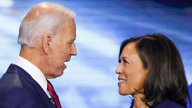 """Truyền thông Mỹ gọi lựa chọn Thượng nghị sĩ Kamala Harris liên danh tranh cử của ông Joe Biden là """"lựa chọn lịch sử"""" ( Ảnh: Getty)"""