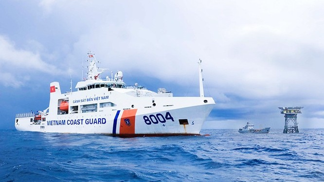 Để bảo vệ chủ quyền, Nhà nước đã đầu tư nâng cao tiềm lực quốc phòng, tăng cường khả năng sẵn sàng chiến đấu của các lực lượng trực tiếp bảo vệ chủ quyền biển, đảo (Ảnh: CSBVN)