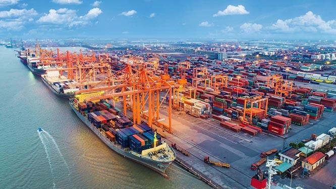 Dữ liệu của Bộ Tài chính Mỹ cho thấy, thặng dư thương mại của Việt Nam với Mỹ đã tăng mạnh trong 4 năm qua. Ảnh: IE.