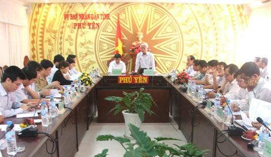 Ngày 11-11-2014, đoàn công tác Bộ TN&MT làm việc với UBND tỉnh Phú Yên về công tác quản lý Nhà nước về đất đai và thi hành Luật Đất đai năm 2013 - Ảnh: Bộ TN&MT