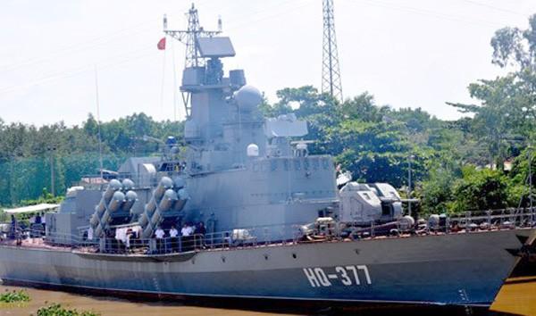 Tàu tên lửa HQ-377 là chiếc tàu lớp Molnya 12418 đầu tiên do Việt Nam đóng theo giấy phép của Nga