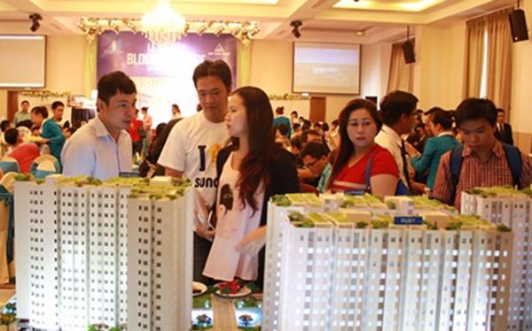 """Tăng giá bán căn hộ ở từng đợt mở bán đang là """"chiêu"""" bán hàng mà một số chủ đầu tư bất động sản ở Hà Nội áp dụng."""