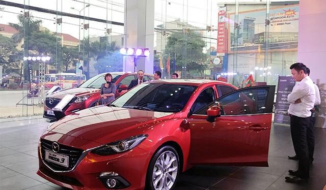 Việt Nam chủ yếu nhập linh kiện về để lắp ráp. Sắp tới thuế giảm, các DN đang tính chuyện nhập khẩu xe nguyên chiếc (ảnh minh họa - Lao động)