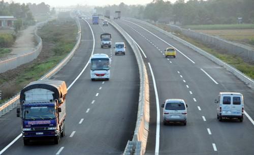 Dự án cao tốc ở Việt Nam còn đắt hơn ở Mỹ