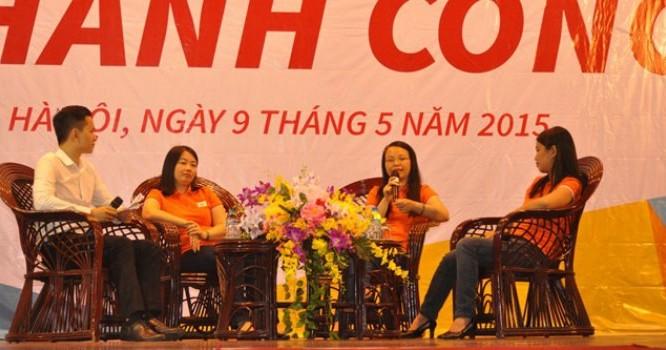 Bà Chu Thị Thanh Hà, Chủ tịch HĐQT FPT Telecom đang chia sẻ tại chương trình FPT CEO talk