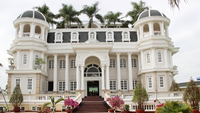 Biệt thự như khách sạn 5 sao của đại gia Thủy sản Phương Nam, ông Lâm Ngọc Khuân