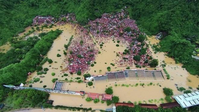 Mưa lũ lịch sử đã nhấn chìm hàng nghìn ngôi nhà ở Quảng Ninh. (Ảnh: Zing)