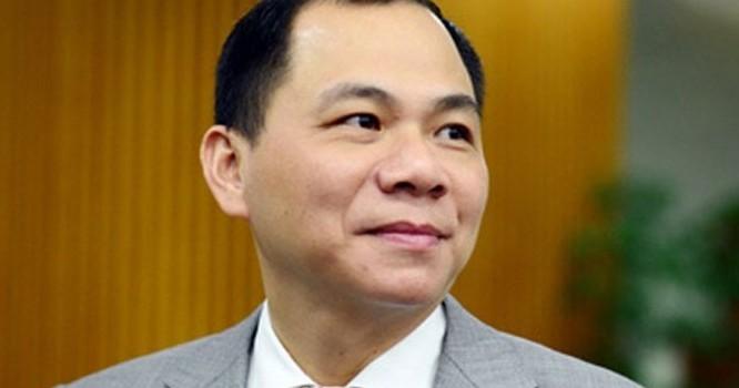 Số cổ phiếu vợ chồng nhà ông Vượng nhận về có giá trị khoảng 5,5 ngàn tỷ đồng.