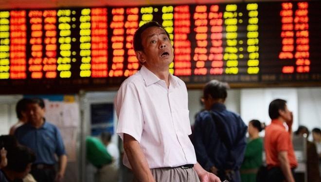Hơn 20 triệu nhà đầu tư tháo chạy khỏi thị trường chứng khoán Trung Quốc
