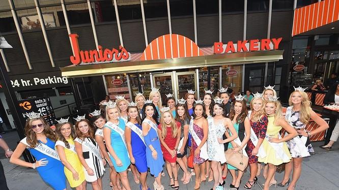 52 người đẹp đại diện cho phái đẹp Mỹ đã sẵn sàng cho cuộc đua tranh vương miện Miss America 2016