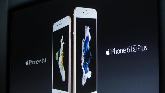 Hình ảnh về iPhone 6S và iPhone 6S Plus xuất hiện tại sự kiện ra mắt sản phẩm mới ngày 9-9 của Apple - Ảnh: CNET