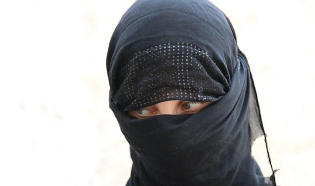 Nữ nô lệ tình dục 16 tuổi kể chuyện phục vụ trùm khủng bố IS al-Baghdadi