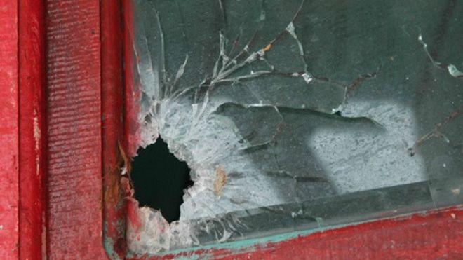 Vết đạn trên tàu cá của ngư dân Việt Nam bị bắn