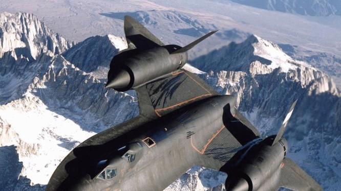 Máy bay trinh sát tầm xa SR-71 Blackbird của không quân Mỹ