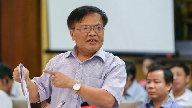 Ông Nguyễn Đình Cung nói ông ngạc nhiên khi EVN đứng ra làm hội thảo về biểu giá và cho rằng cần tăng tính cạnh tranh trong ngành điện - Ảnh: Việt Dũng