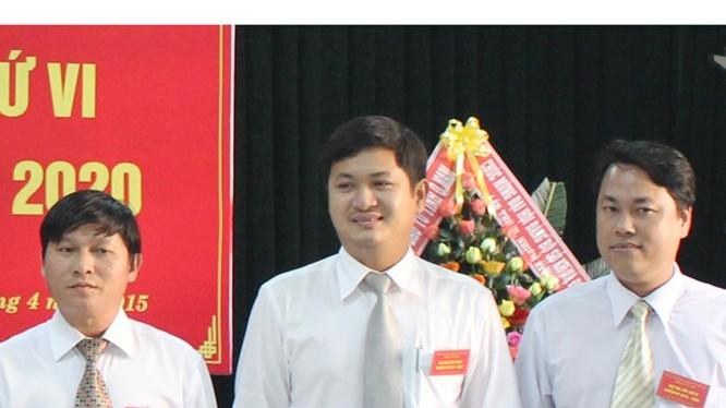 Ông Lê Phước Hoài Bảo (giữa) tại Đại hội Đảng bộ Sở Kế hoạch và đầu tư tháng 4.2015. (nguồn: Sở Kế hoạch và đầu tư tỉnh Quảng Nam)