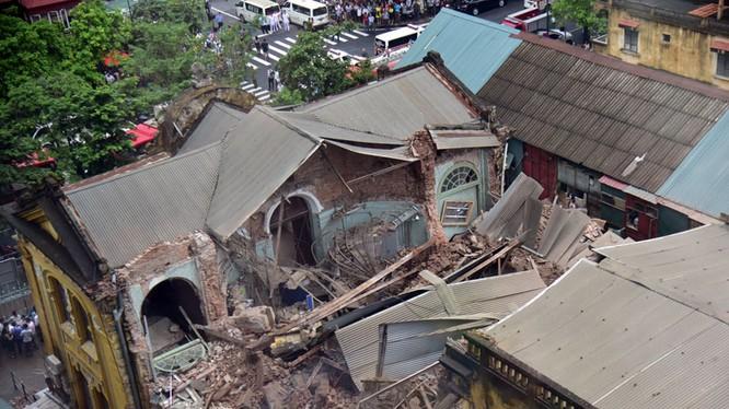 Biệt thự 107 Trần Hưng Đạo đổ sập