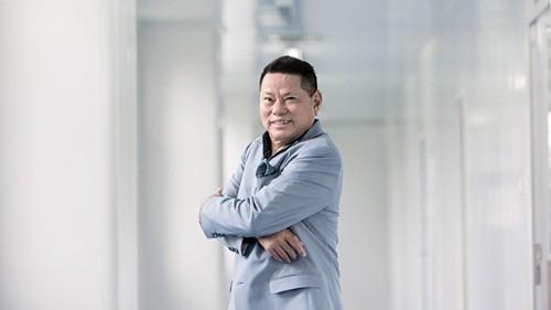 Ông Hoàng Kiều trở thành tỷ phú nhờ các công ty sản xuất huyết tương. Ảnh: Forbes
