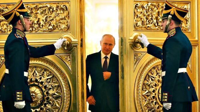 Nga cứng rắn dưới sự lãnh đạo của Vladimir Putinđã liên tiếp gây ngạc nhiên cho Mỹ.