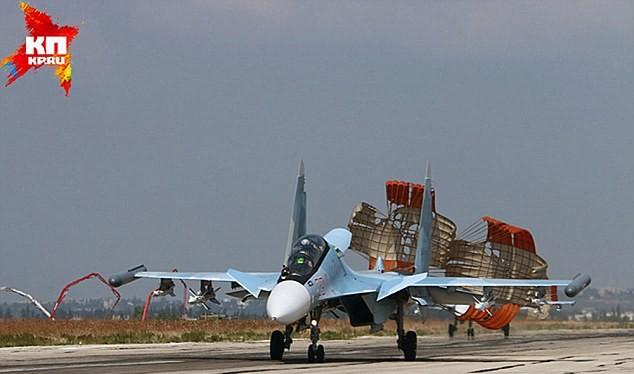 Máy bay chiến đấu Nga trở về căn cứ Latakia (Syria) sau khi xuất kích làm nhiệm vụ