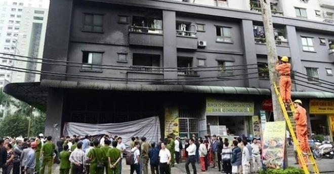 """Tòa nhà chung cư của """"đại gia điếu cày"""" bị cháy"""