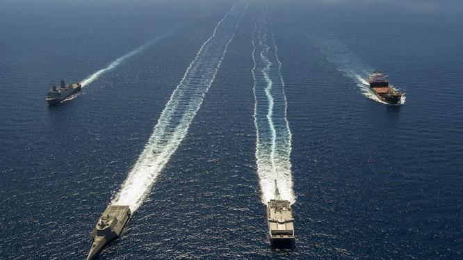 Mỹ đang chuẩn bị điều chiến hạm tuần tra quanh các đảo nhân tạo của Trung Quốc ở Biển Đông