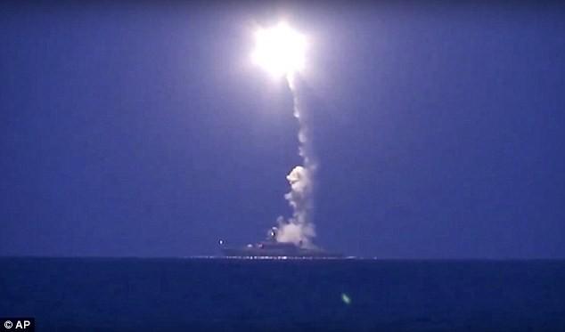 Chiến hạm Nga phóng tên lửa hành trình tiêu diệt mục tiêu cách 1.500km tại Syria