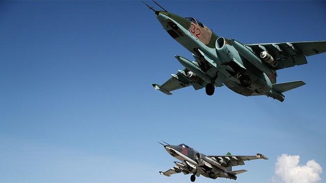 Chiến đấu cơ Su-25 của Nga xuất kích trên bầu trời Syria