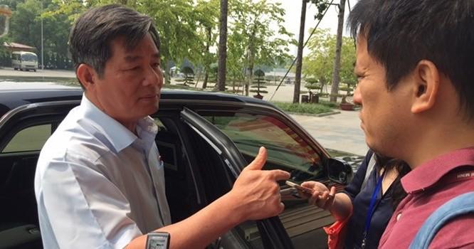 Bộ trưởng Bùi Quang Vinh chia sẻ thêm với báo chí về áp lực của bộ, sau khi kết thúc phiên thảo luận.