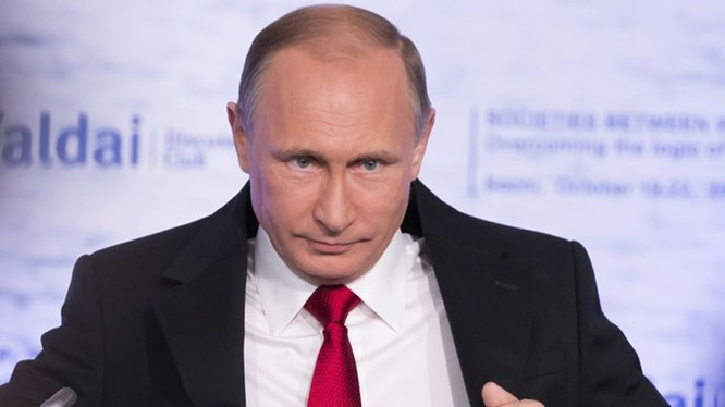 Tổng thống Nga Vladimir Putin tự ví mình là một chú chim bồ câu nhưng có đôi cánh thép - Ảnh: AFP