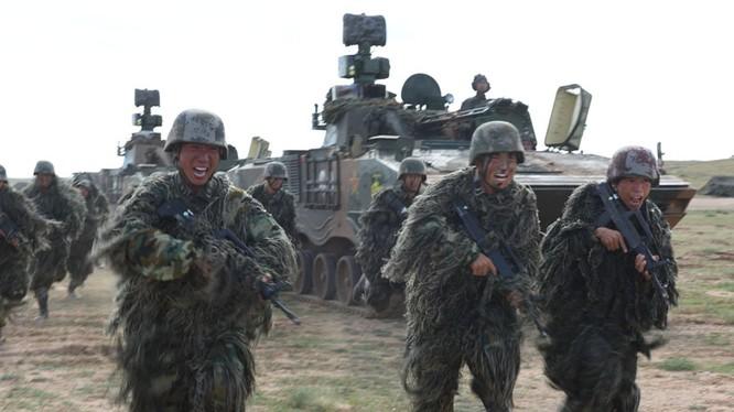 Trung Quốc cam kết liên minh với Nga chống khủng bố IS