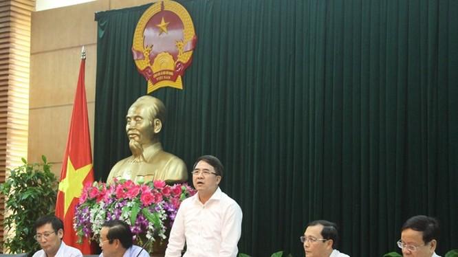 """Ông Lê Khắc Nam: """"chúng tôi sẽ dát vàng từng viên gạch nếu dùng cả 10.000 tỉ để xây trung tâm hành chính"""""""