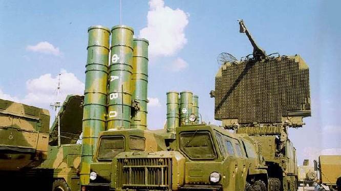 Hệ thống tên lửa S-300 của Nga