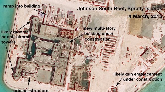 Trung Quốc đang ráo riết bồi lấp, xây đảo nhân tạo trái phép và quân sự hóa Biển Đông