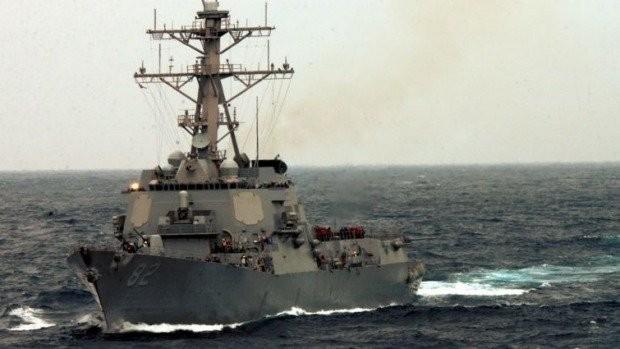 Khu trục hạm USS Lassen vừa tuần tra thực thi tự do hàng hải quanh đảo nhân tạo của Trung Quốc xây trái phép ở Trường Sa