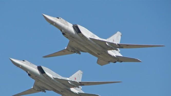 phi cơ Tu-22M3 Backfire của Nga xuất kích