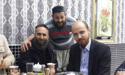 Con trai tổng thống Thổ Nhĩ Kỳ, ngoài cùng bên phải, bị nghi làm ăn với IS. Ảnh: RT