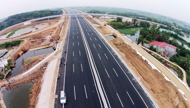 Dự án cao tốc Hà Nội - Hải Phòng được khởi công từ tháng 5/2008 với tổng đầu tư 45.487 tỷ đồng từ nguồn vốn vay của Ngân hàng phát triển Việt Nam. Toàn tuyến dài 105 km, trong đó 6 km chạy qua Hà Nội, 26 km qua Hưng Yên, 40 km qua Hải Dương và 33 km qua H