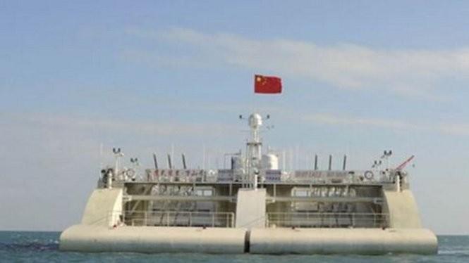 Trạm phát điện nổi của Trung Quốc được thử nghiệm ngoài khơi khu khai thác phát triển Vạn Sơn, Quảng Đông - Ảnh: scmp