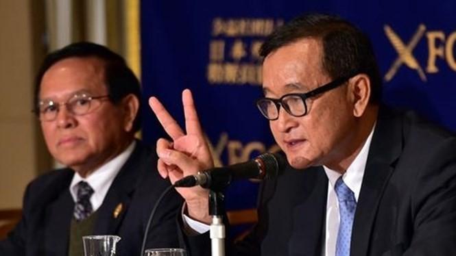 Ông Sam Rainsy, người từng thừa nhận gây rối về vấn đề biên giới Campuchia - Việt Nam, nhận 3 lệnh triệu tập trong vòng chưa đầy 1 tháng - Ảnh: AFP