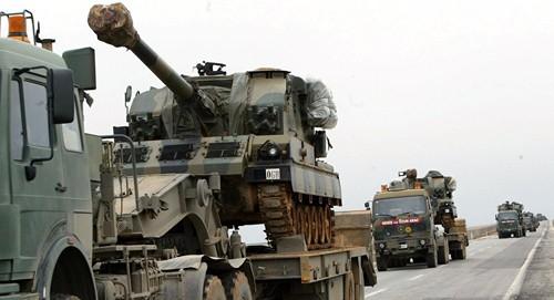 Thổ Nhĩ Kỳ điều binh sĩ cùng xe tăng, pháo hạng nặng vào Iraq. Ảnh: Sputnik