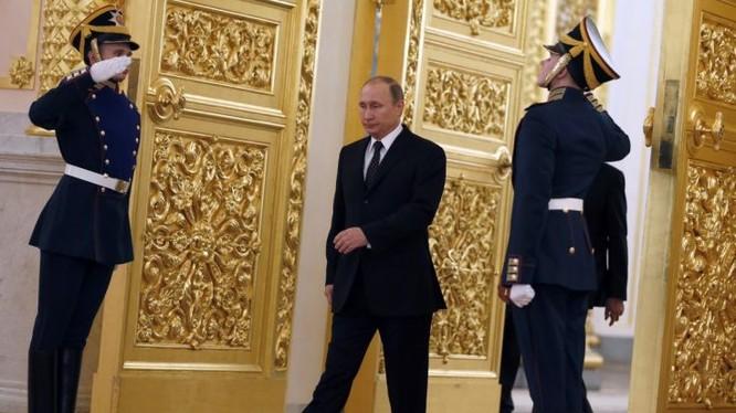 Ông Putin có dáng đi rất đặc biệt