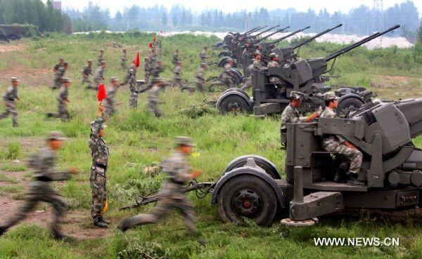 Quân đội Trung Quốc diễn tập