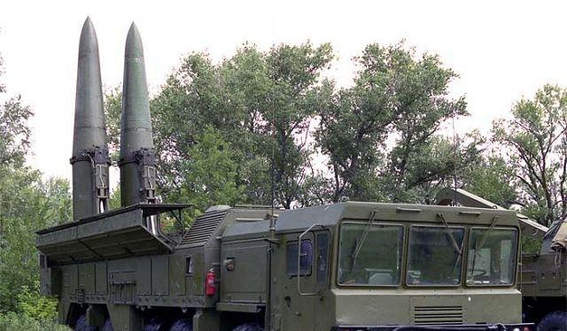 Tên lửa đạn đạo tầm ngắn Iskander có thể mang đầu đạn thông thường hoặc đầu đạn hạt nhân
