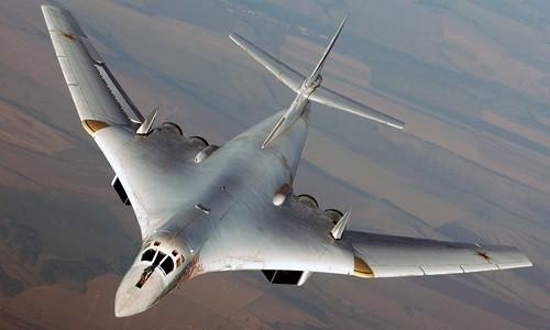 Máy bay ném bom chiến lược Tu-160 Nga. Ảnh: Airsoc
