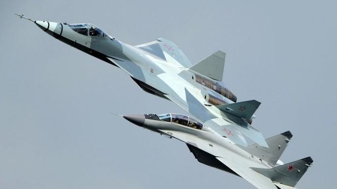 Chiến đấu cơ Sukhoi T-50 thế hệ 5 của Nga