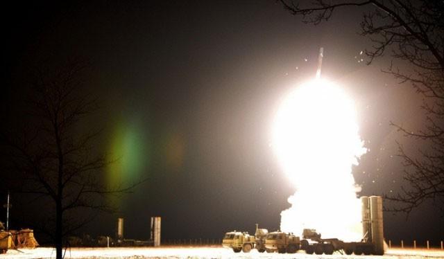 S-400 Trium phóng đạn ban đêm