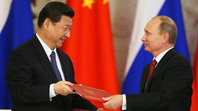 Chính sách bất hợp lý của Mỹ đã đẩy hai đối thủ cạnh tranh Nga và Trung Quốc bắt tay nhau