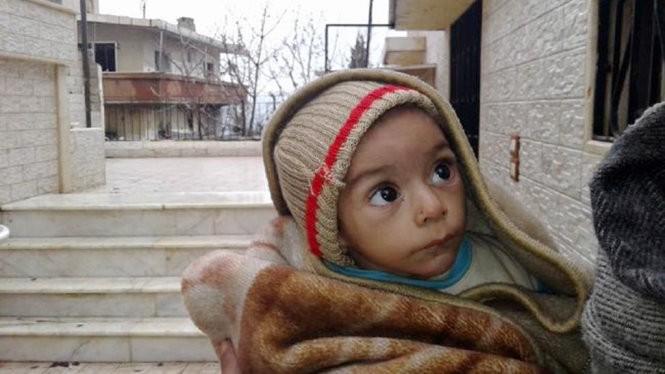 Những người mẹ ở Syria không có sữa cho con bú vì suy dinh dưỡng, họ phải đi cầu xin sự giúp đỡ - Ảnh: News.com.au